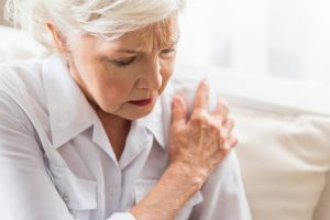 Treating shoulder pain with regenerative therapy